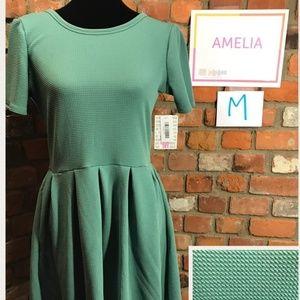 Medium Amelia- solid green good stretch